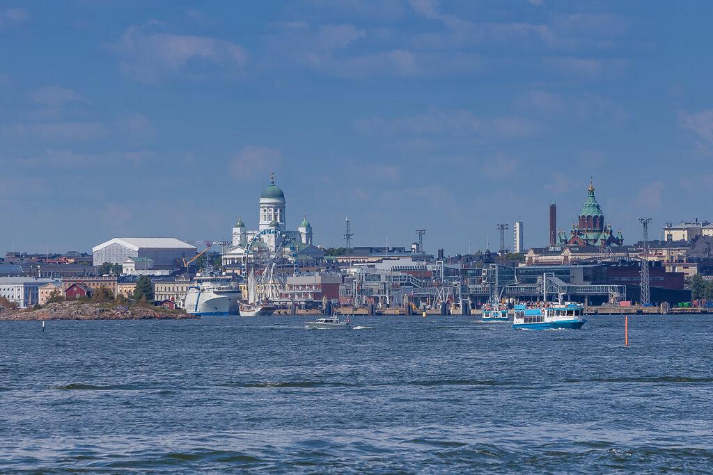 Skyline von Helsinki (Helsinki) mit Dom und Uspenski-Kathedrale