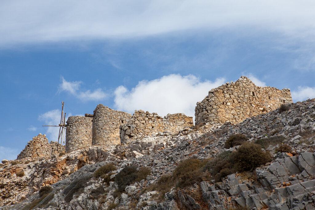 Windmühlen am Pass von Ambelos - Insel Kreta (Griechenland)